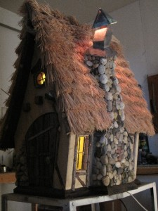 Hobbit Crookedbirdhouse